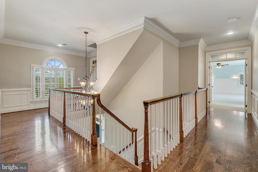 Upstairs Hallway - 24020 LACEYS TAVERN CT, ALDIE