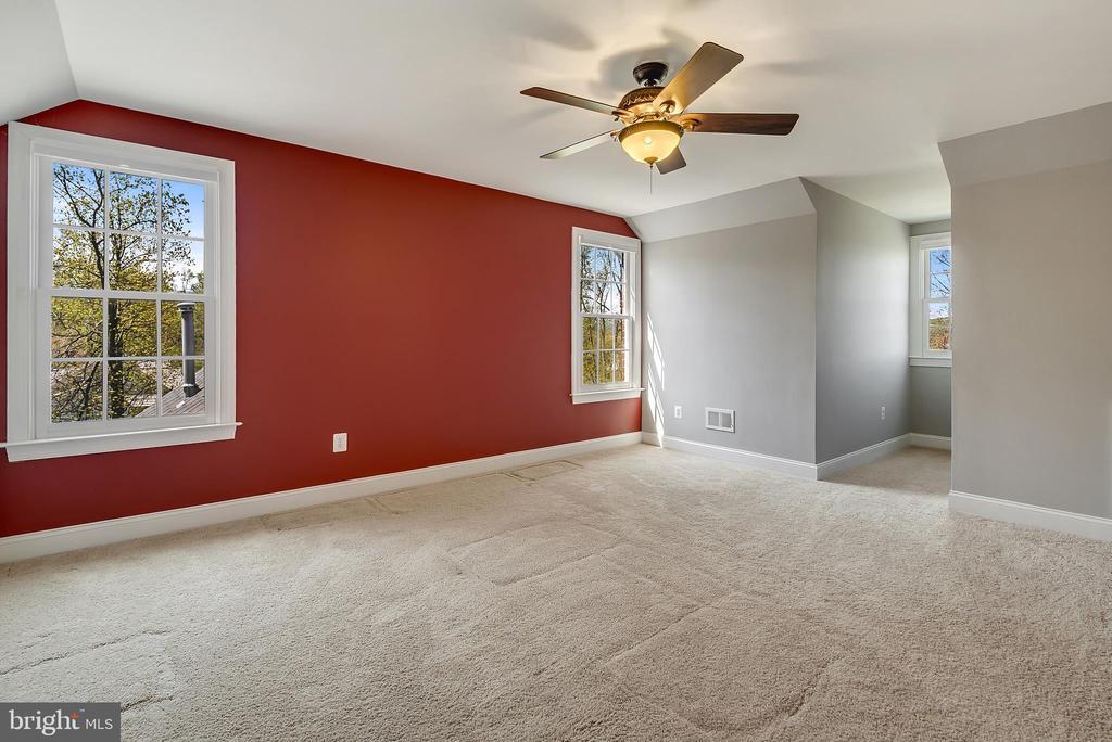 Fourth Floor Bedroom #5 - 24020 LACEYS TAVERN CT, ALDIE