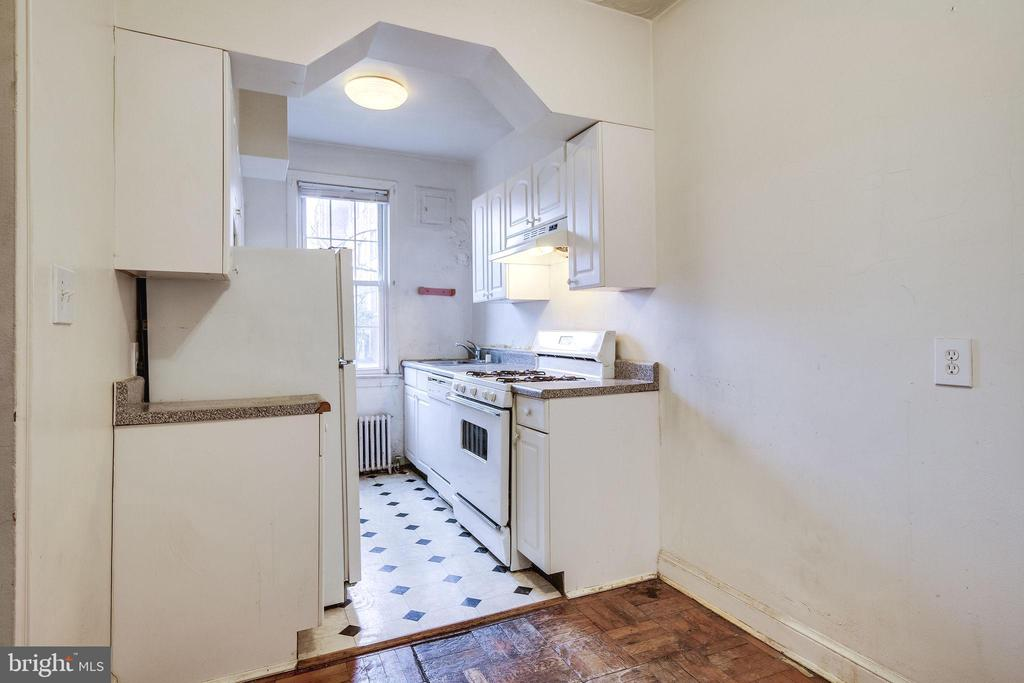 Kitchen - 5220 N CAPITOL ST NW #109, WASHINGTON