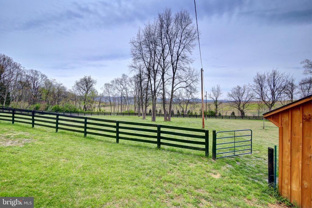 - 1238 SHEPHERDS MILL RD, BERRYVILLE