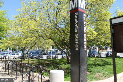 Just steps to Rockville Metro! - 204 READING TER, ROCKVILLE