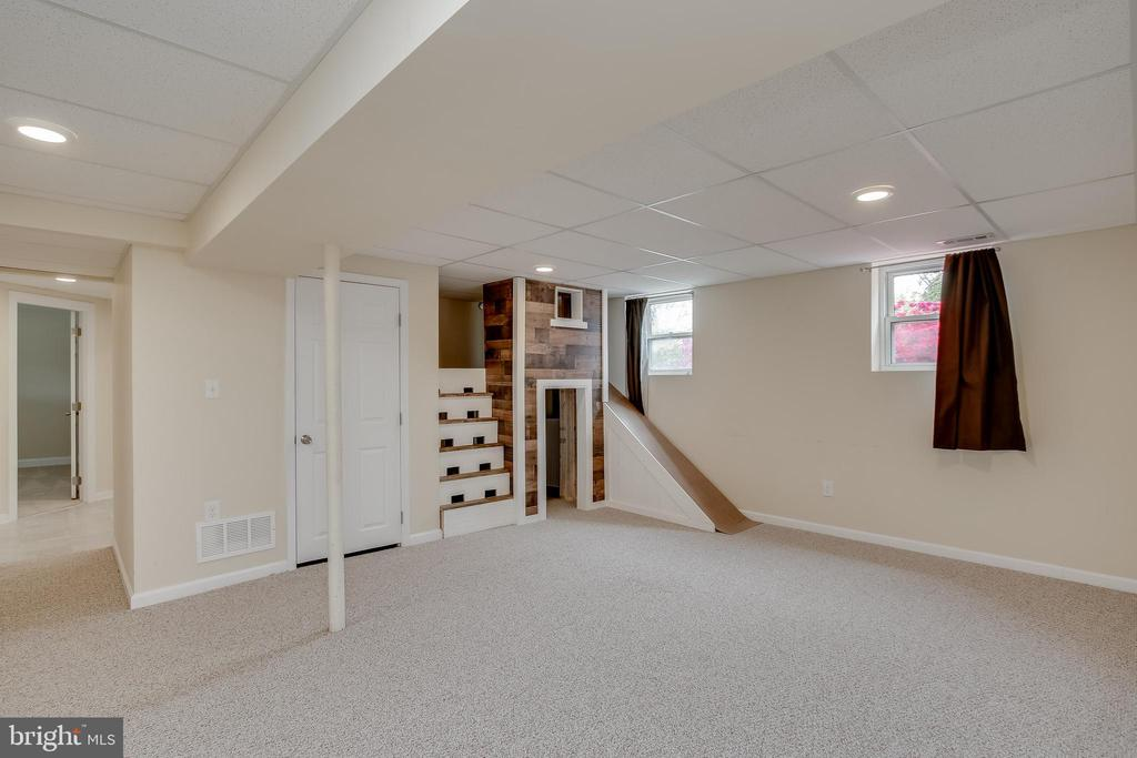 Lower level Recreation Room - 275 PINOAK LN, FREDERICK