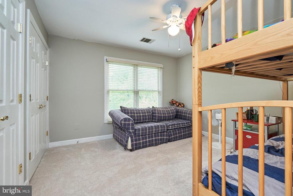Upper Level Secondary Bedroom - 5809 MAGNOLIA LN, FALLS CHURCH