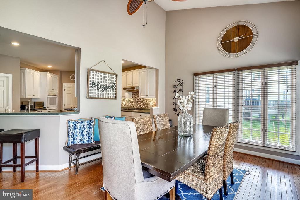 Casual Breakfast anyone? - 17720 CRICKET HILL DR, GERMANTOWN