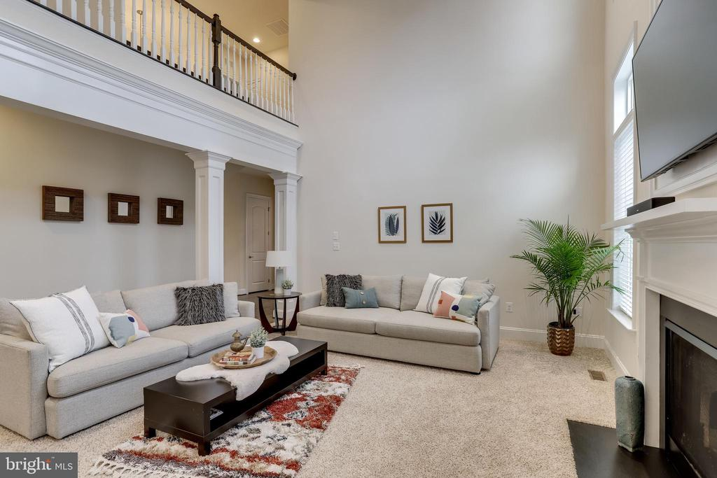 Coffered ceiling and open to upper level - 1381 BISHOP CREST CT, ALEXANDRIA