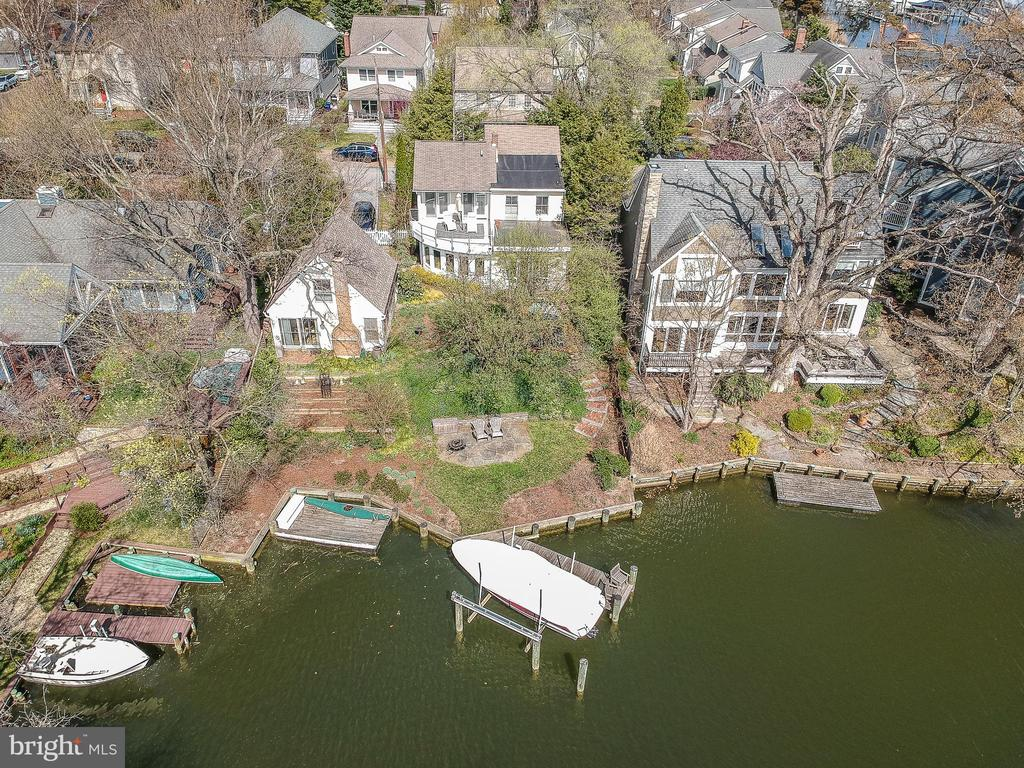 Aerial shot of Eastport compound - 610 BURNSIDE ST, ANNAPOLIS