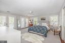 Spacious~ masterbedroom with plantation shutters - 610 BURNSIDE ST, ANNAPOLIS