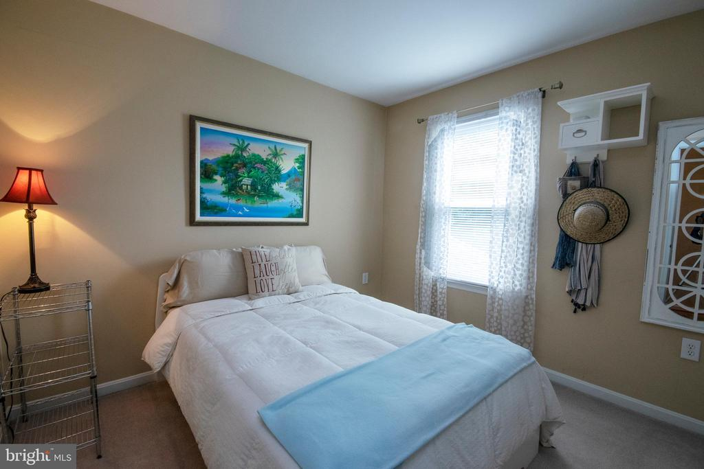 Bedroom 3 - 29 BURNS RD, STAFFORD
