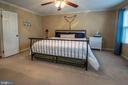 Large master bedroom - 29 BURNS RD, STAFFORD