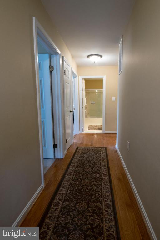 Upstairs hall way - 29 BURNS RD, STAFFORD