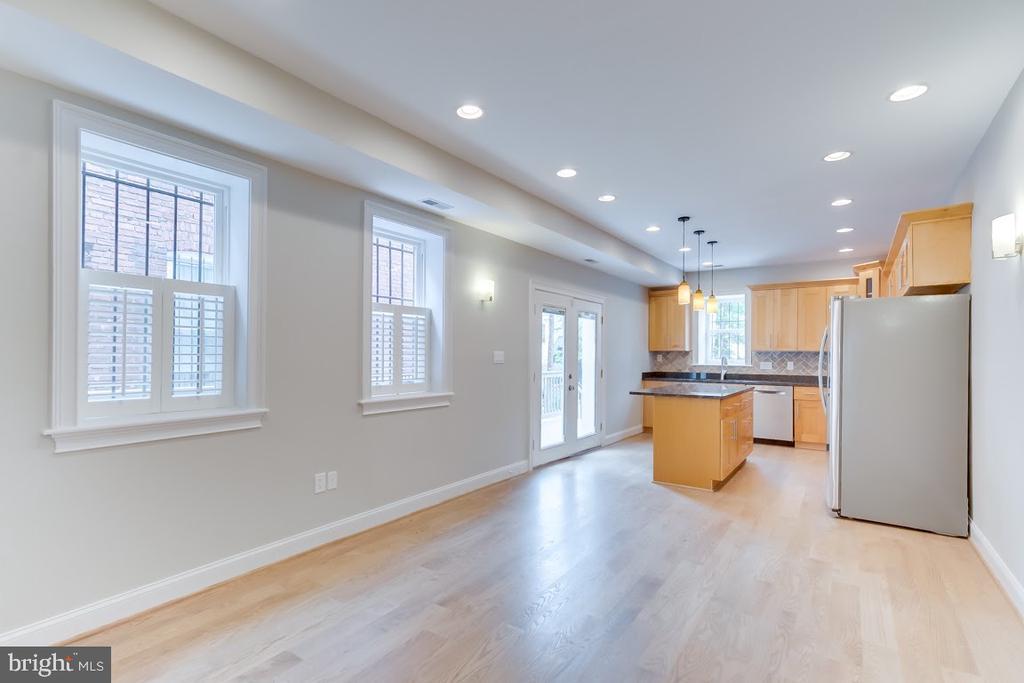 Family room looking towards the chef~s kitchen - 1122 6TH ST NE, WASHINGTON