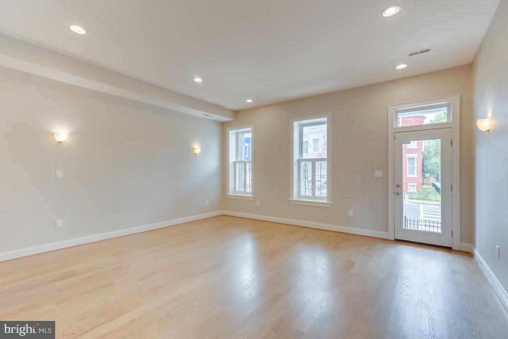 Living room at front of home - 1122 6TH ST NE, WASHINGTON