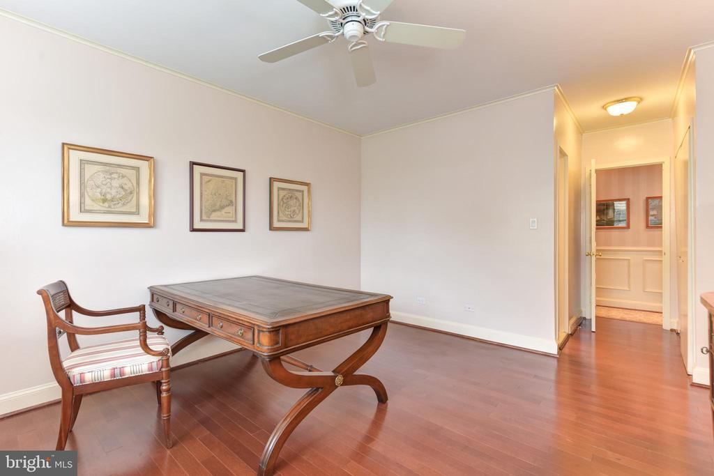 Second bedroom with en-suite full bath. - 2801 NEW MEXICO AVE NW #1211, WASHINGTON