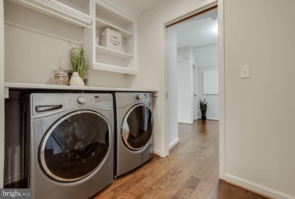 Front Loading Washer and Dryer - 1300 CRYSTAL DR #PH14S, ARLINGTON