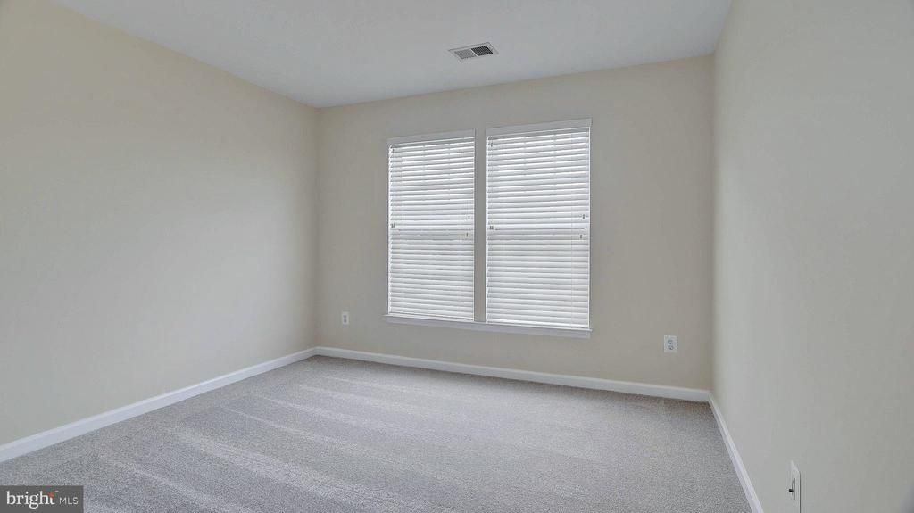 Bedroom 3, new carpet - 43262 LECROY CIR, LEESBURG
