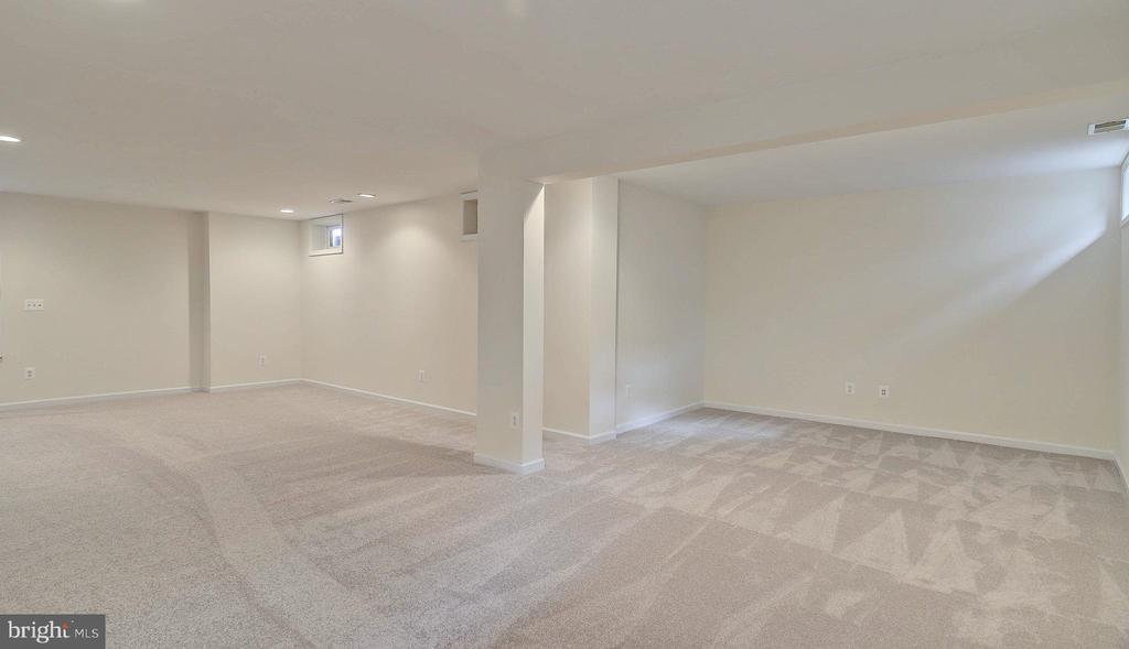 Recreation Room, - 43262 LECROY CIR, LEESBURG