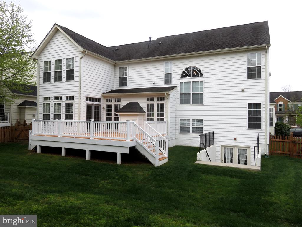 House Rear, nice deck - 43262 LECROY CIR, LEESBURG