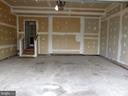 Garage, garage door opener - 43262 LECROY CIR, LEESBURG