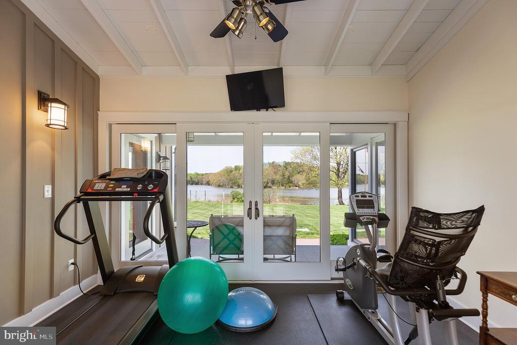 The exercise room in the guest wing - 15270 HATTON LANDING DR, NEWBURG