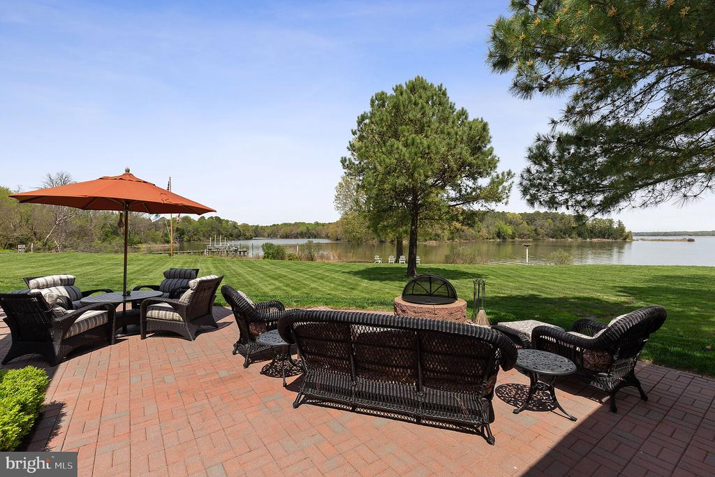 Sit back, relax, and enjoy the peaceful setting - 15270 HATTON LANDING DR, NEWBURG