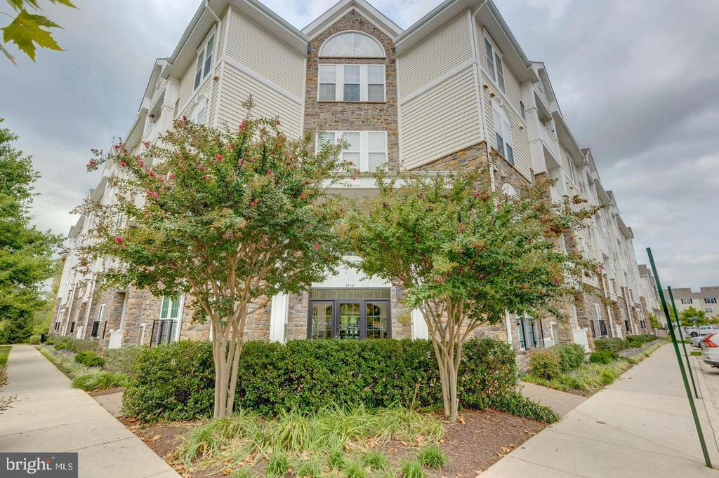 Welcome to Mercer Park!! - 24701 BYRNE MEADOW SQ #302, ALDIE