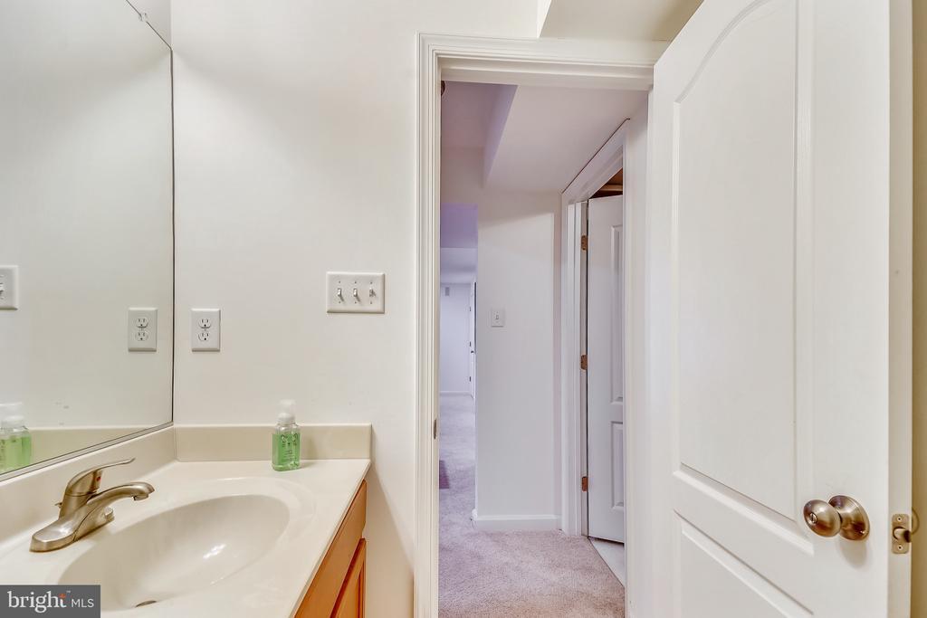 Bathroom - 232 WINDOM WAY, FREDERICK