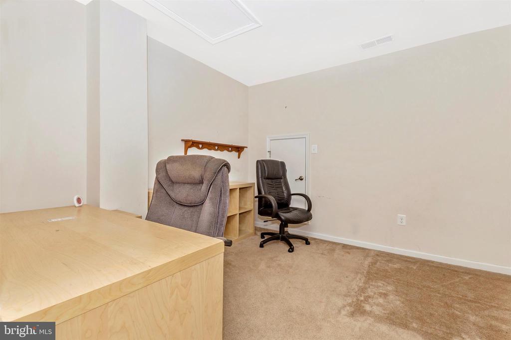 Bedroom 4 ( Used as Office) - 1287 DRYDOCK ST, BRUNSWICK