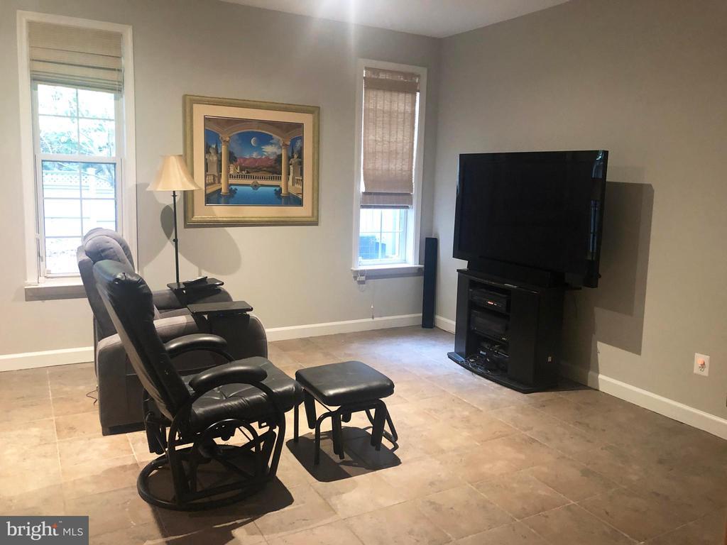 basement family room/ game room/or bedroom - 12222 DORRANCE CT, RESTON