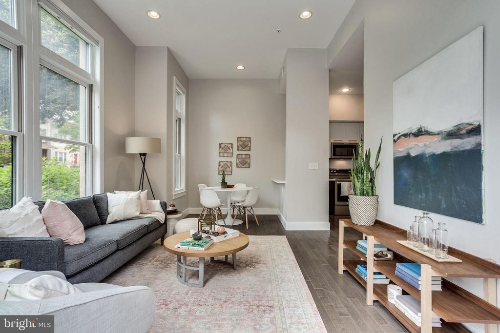 Soaring ceilings and loads of light - 1767 LANIER PL NW #2, WASHINGTON