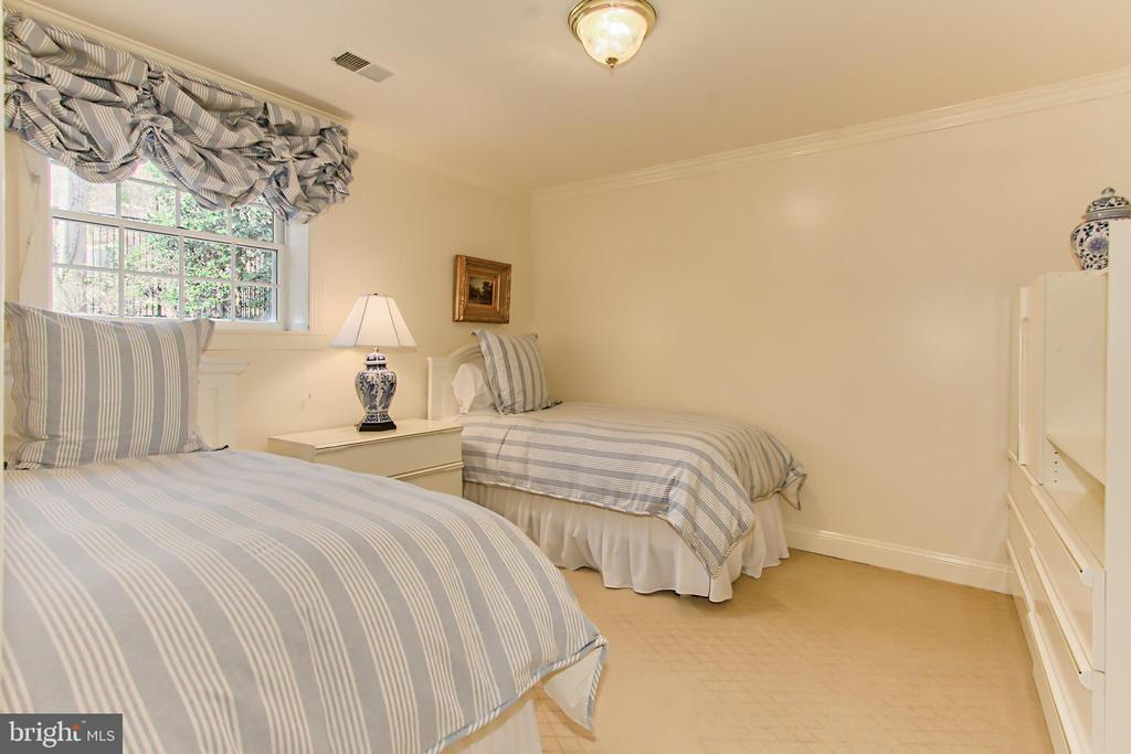 Bedroom Five - 4125 PARKGLEN CT NW, WASHINGTON