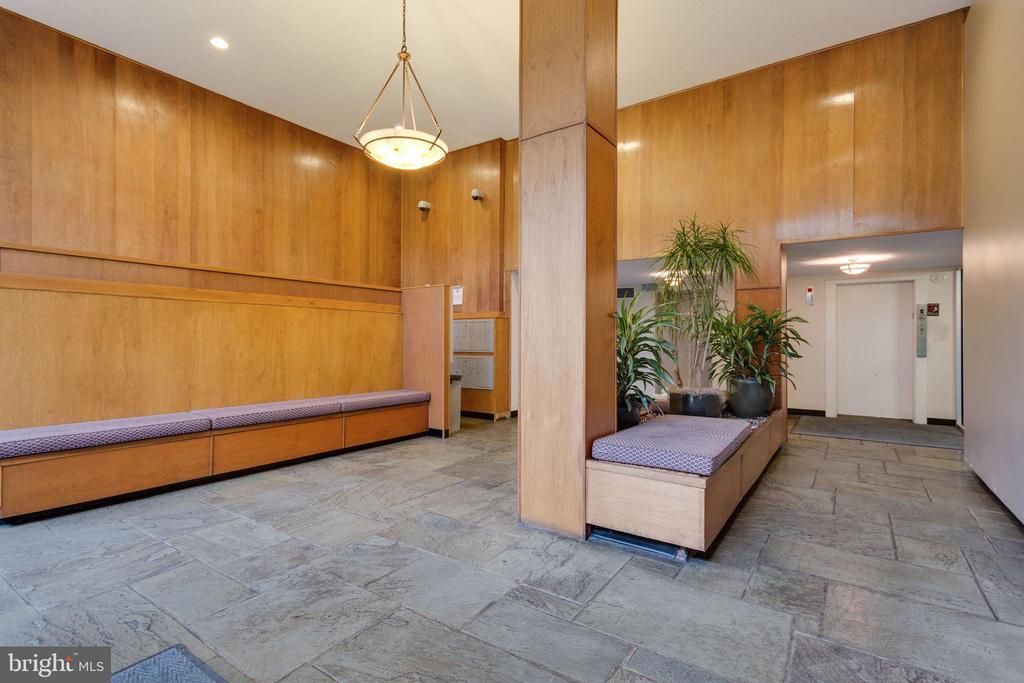 Front lobby view of mailroom and elevator - 2030 N ADAMS ST #208, ARLINGTON