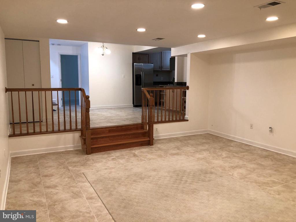 Basement Living/dining area - 656 9TH ST NE, WASHINGTON