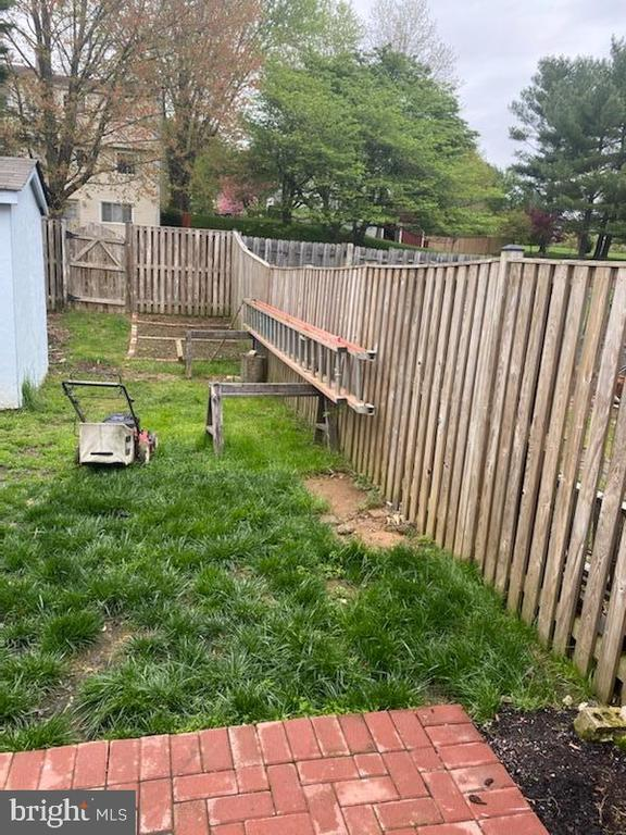 Large lot all fenced - 18711 BARN SWALLOW TER, GAITHERSBURG