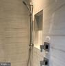 Master shower niche, controls & handheld shower - 114 TAPAWINGO RD SW, VIENNA