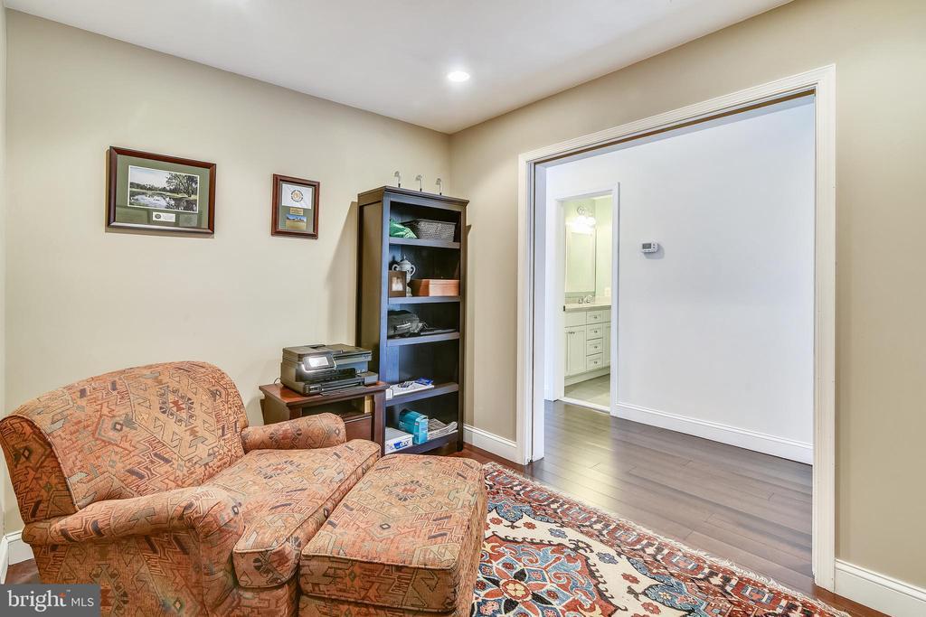 Office / den with pocket doors ( upper level) - 3425 N RANDOLPH ST, ARLINGTON
