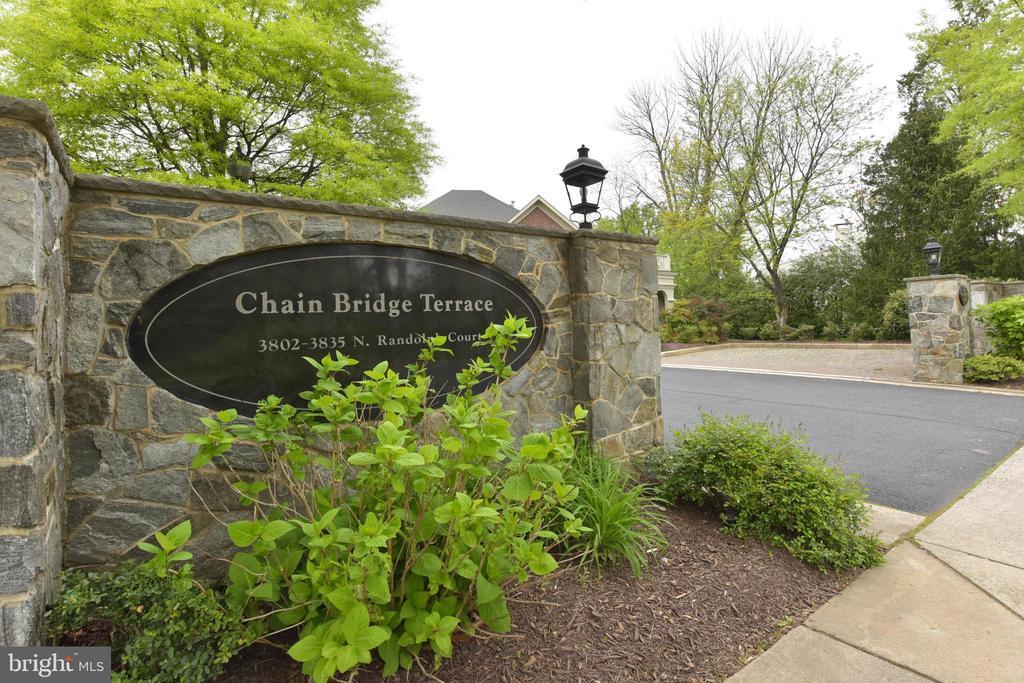 Welcome to Chain Bridge Terrace - 3823 N RANDOLPH CT, ARLINGTON