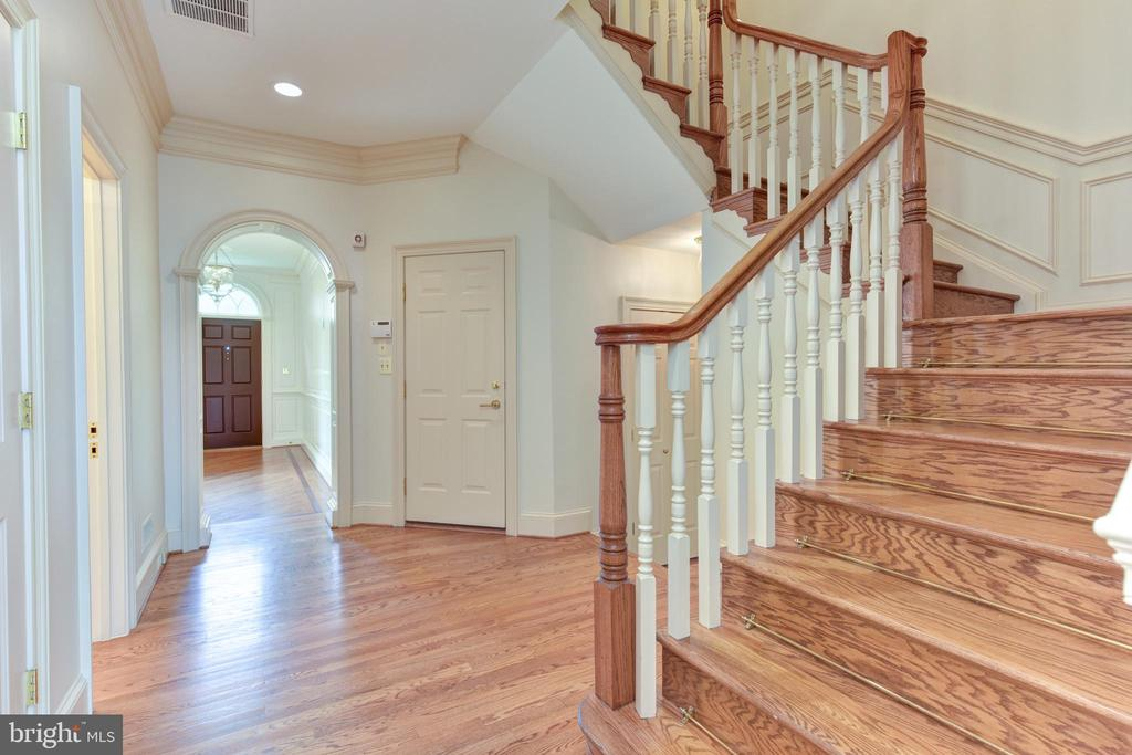 Enter Main Level from 3 car garage off foyer - 3823 N RANDOLPH CT, ARLINGTON