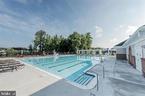Clubhouse Pool - 9410 GEATON PARK PL, LANHAM