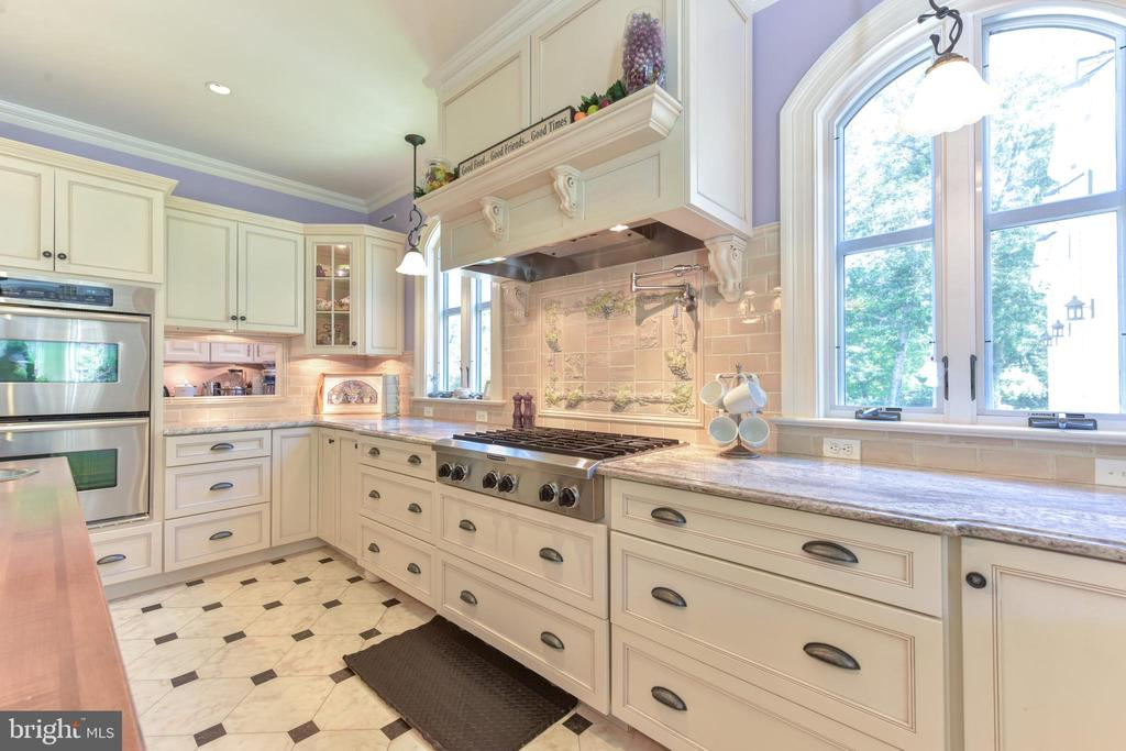 Stainless steel appliances - 5937 TELEGRAPH RD, ALEXANDRIA
