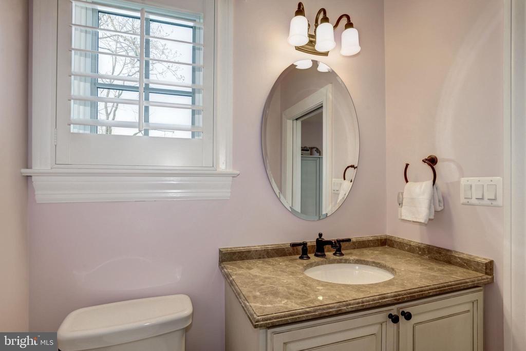 vanity, plantation shutters at window - 6537 36TH ST N, ARLINGTON