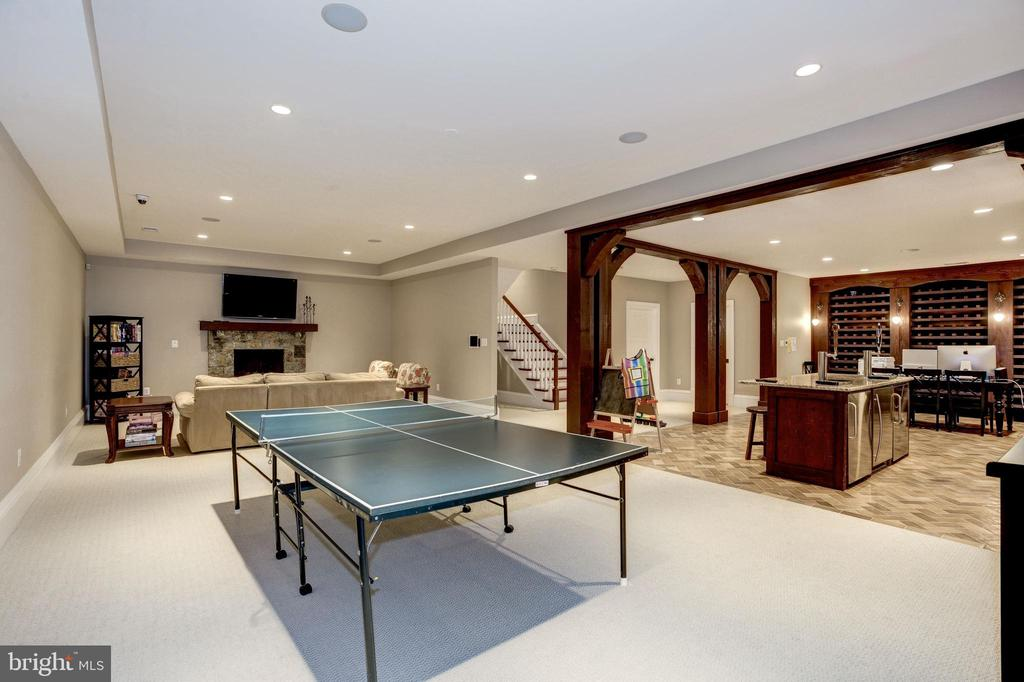 table space for ping pong, foozball, pool, tik tok - 6537 36TH ST N, ARLINGTON