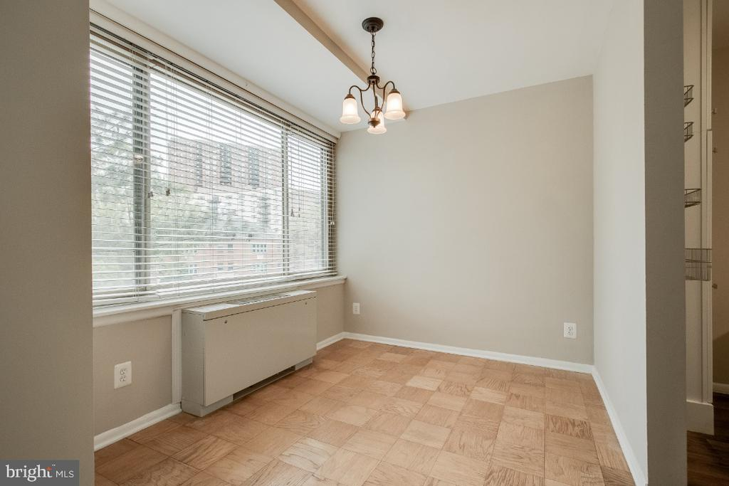 Windows in every room - 1210 N TAFT ST #307, ARLINGTON
