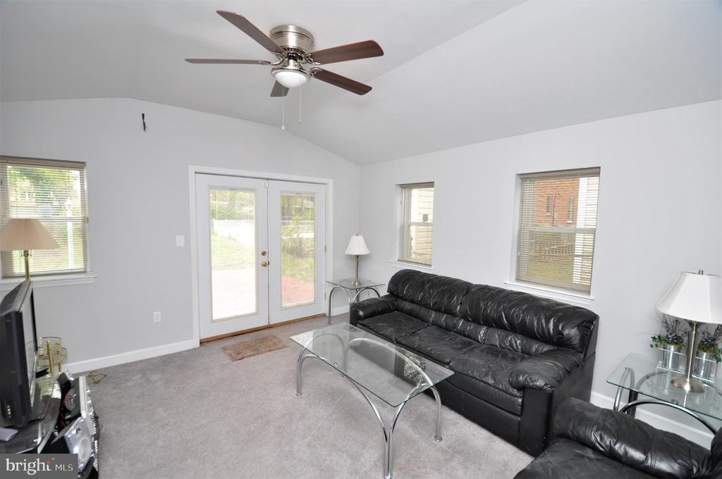 Family Room - 4315 POLK ST NE, WASHINGTON
