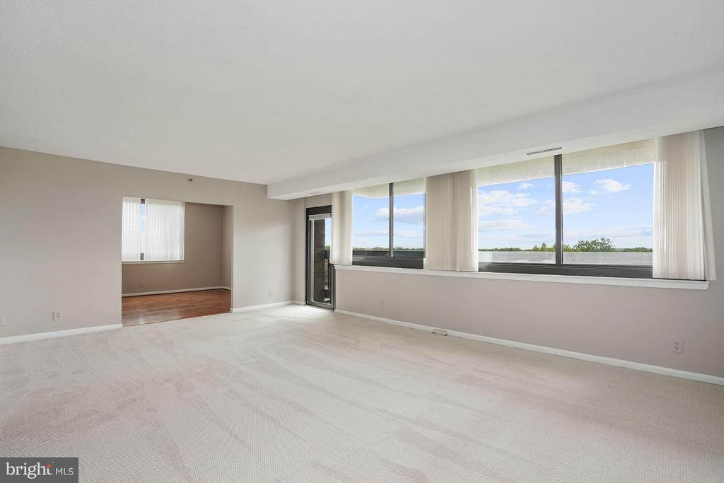Living room access looking to dining room - 5501 SEMINARY RD #611S, FALLS CHURCH