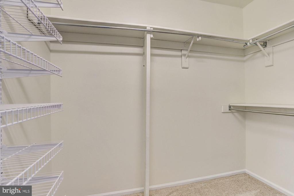 Master Custom Walk-In Closet - 8405 GLAD RIVERS ROW, COLUMBIA