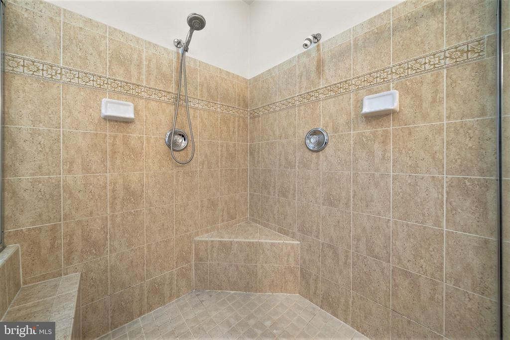 Gorgeous Tile Walk In Shower - 5442 EAGLE OWL CT, WALDORF