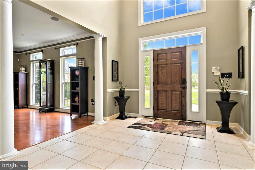 Two Story Foyer - 5442 EAGLE OWL CT, WALDORF