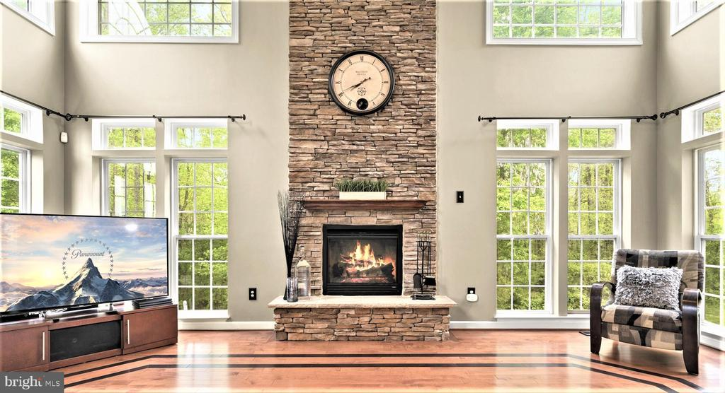 Gorgeous Two Story Stone Fireplace - 5442 EAGLE OWL CT, WALDORF