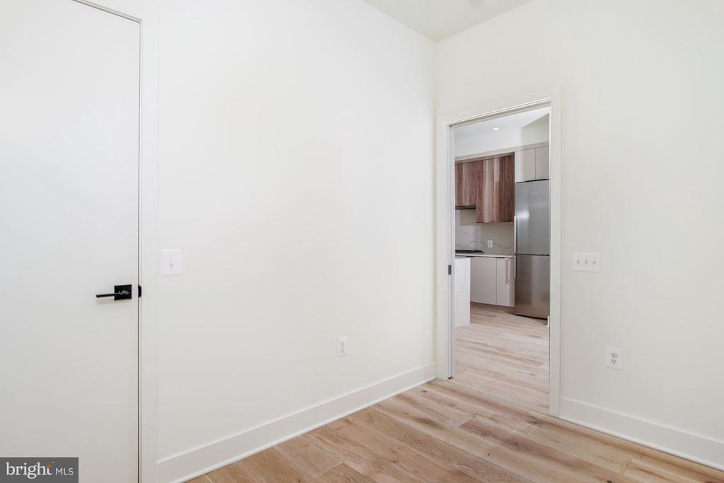 The den has a pocket door and closet - 801 N NW #303, WASHINGTON