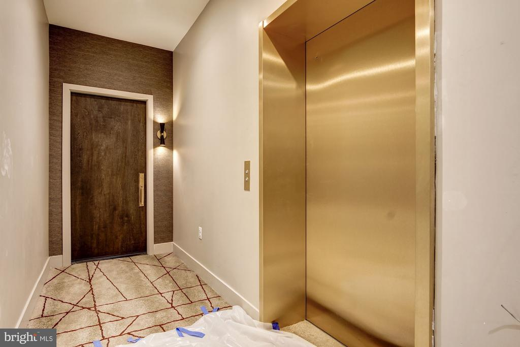 Typical entry way details - 801 N NW #303, WASHINGTON
